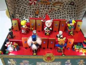 santa s musical toy chest cool musical animated christmas toy youtube