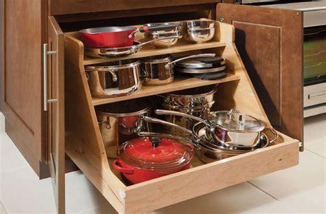 simple kitchen ideas  wooden base roll  pots pans