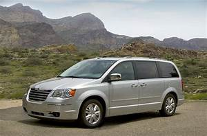 Town Country : marchionne chrysler will get two people movers but only one minivan ~ Frokenaadalensverden.com Haus und Dekorationen