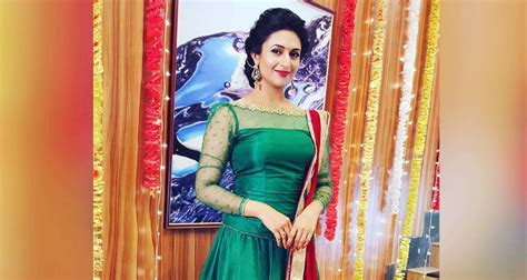 Divyanka Tripathi Wiki: Age, Husband, Hot Pics & Facts to Know