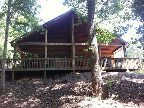 lake lanier cabin rentals cozy cabin on lake lanier with a large vrbo