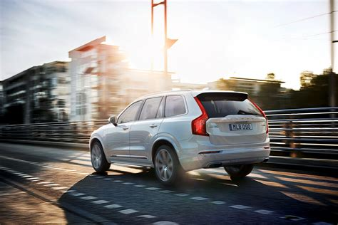 volvo  launch   electric vehicle