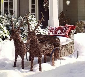 reindeer and sleigh outdoor decor Noel