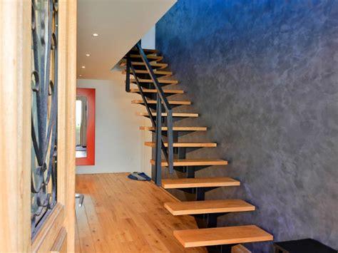transformer un escalier en bois great escalier en bton avec moquette with transformer un