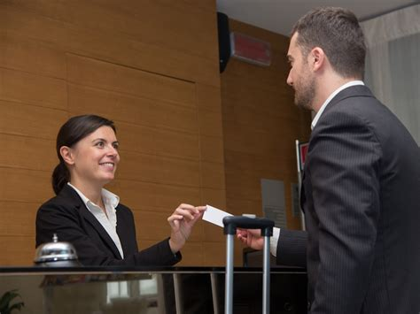 5 Common Problems Every Hotel Front Desk Agent Faces