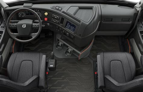 what s the new volvo commercial news volvo vnl semi trucks feature numerous self driving