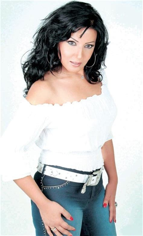 Somaya El Khashab سمية الخشاب