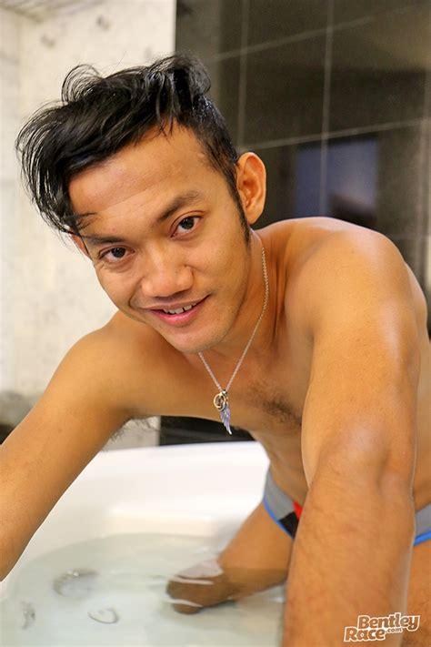 Sexy Cute Indonesian Guy Vino Rainz Drops His Speedos And Jerks His Huge Dick Nude Guys Sex Pics