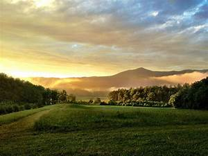 Discovering the Beauty of Cades Cove Tennessee with 3 ...