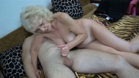 Cumaddicted Granny Gives Her Lover A Nice Blowjob In
