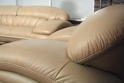 Remove Pen From Leather Sofa by How Do I Remove Ballpoint Pen From Leather Ehow