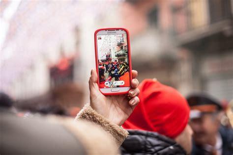 imagen de telefono celular tomando fotos foto gratis