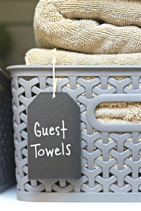Linen Closet Baskets by Organizing A Small Linen Closet Organize And Decorate
