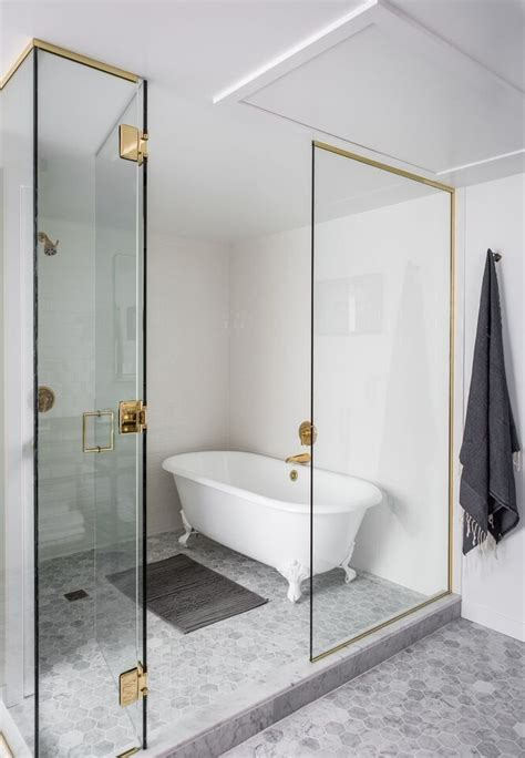 hotel in seattle with tub in room 17 best ideas about clawfoot tub shower on