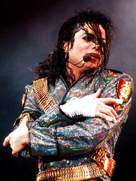 michael jacksons todesursache daran starb der king  pop