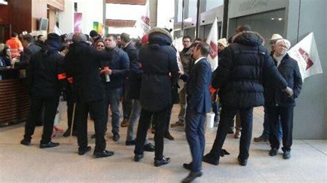 siege social de leclerc des agriculteurs se sont introduits au siège de e leclerc