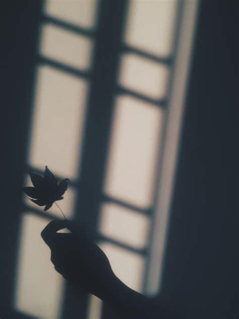 wallpaper hitam putih hd