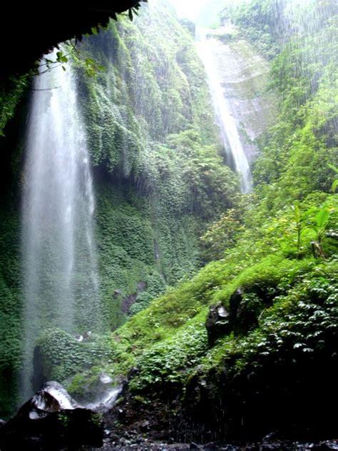 air terjun madakaripura surga kecil dekat bromo