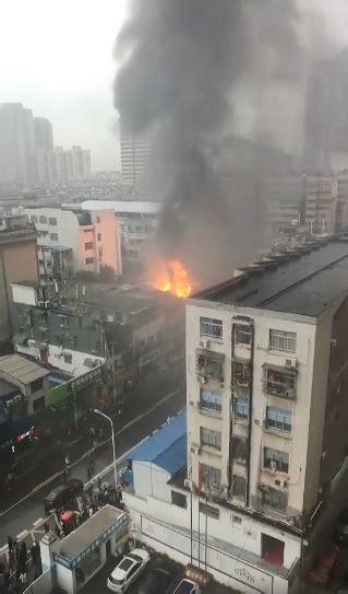 突发!长沙市一医院附近门面发生火灾 这些路口注意绕行!_新浪湖南_新浪网