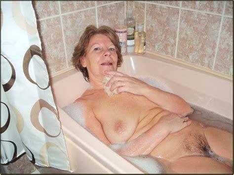 Вот это да голая мама в ванной Частное фото