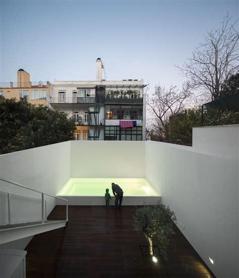 LAPA BUILDING / João Tiago Aguiar Arquitectos   ArchDaily