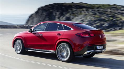 Gallery of 62 high resolution images and press release information. 2021 Mercedes-Benz GLE Coupe dials up the style, luxury