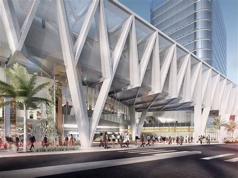 som massive miamicentral train station