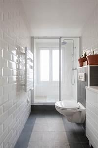 Salle De Bain Etroite : salle d 39 eau troite avec grande douche contemporain salle de bain paris par matesco ~ Melissatoandfro.com Idées de Décoration