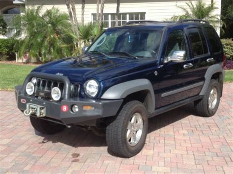 older jeep liberty purchase used 2005 jeep liberty crd turbodiesel 4x4 low
