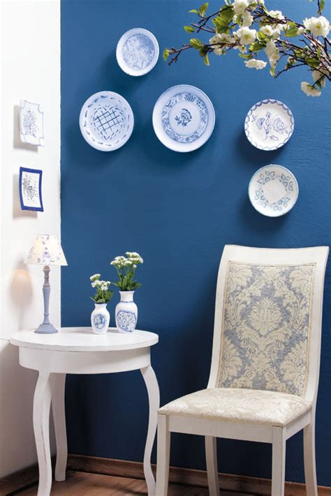 Diy Decorative Wall Plates  Decoupage On Glass And. Pictures Of Country Living Room Styles. Living Room Reclining Furniture. Living Room Wall Units With Fireplace. Design A Living Room Dining Room Combo