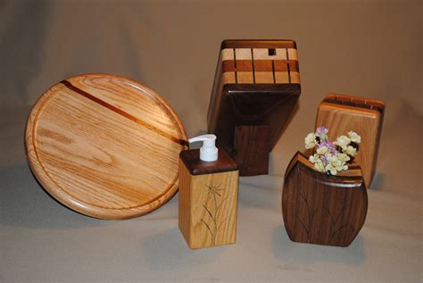 wooden gift ideas  give    anniversary