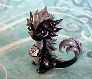 Dragons Drachen Namen : black and silver dragon cute pinterest drachen fimo drachen und fabelwesen ~ Watch28wear.com Haus und Dekorationen