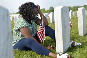 Memorial Day Tributes Honor Fallen Service Members - NBC News