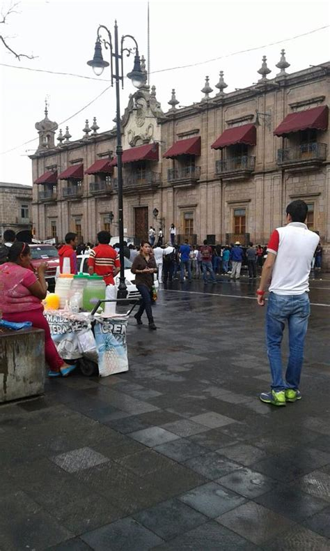 Morelia: Estudiantes De La CUL Se Concentran Frente A ...