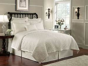 Lismore, Quilt, Ivory, By, Waterford, Luxury, Bedding