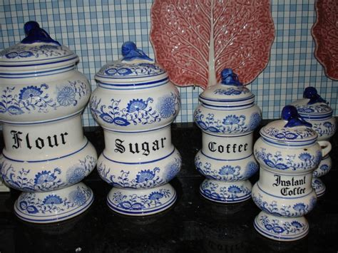 what to put in kitchen canisters 17 best images about kitchen canisters on