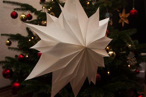 wie pflegt einen weihnachtsstern einfacher weihnachtsstern aus butterbrott 252 ten schnell gebastelt unser kreativblog