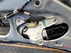 Pakgetmedia  Memperbaiki Wiper Belakang   Rear Wiper