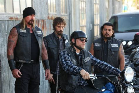 sons  anarchy series finale ratings revealed  fx