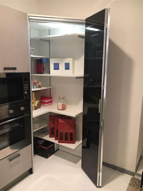cucina con dispensa angolare cucina ad angolo dibiesse scontata 40 cucine