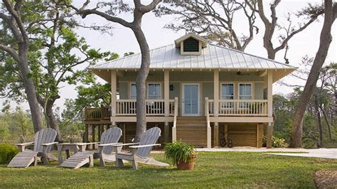 small seaside cottage plans small beach cottage house plans  bedroom beach house plans