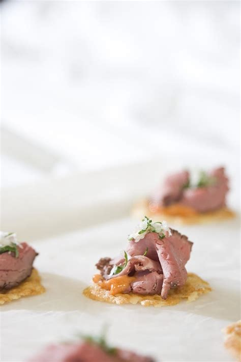 canapé watson manchego crisp with beef tenderloin culinarycapers