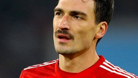 Born 16 december 1988) is a german professional footballer who plays as a centre back for bundesliga club borussia dortmund and the. Mats Hummels: the big loser of The FC Bayern | NEWS WIRE FAX