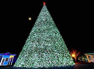 Lake Compounce Holiday Lights 2017 Your Holiday Bucket List Begins With These 11 Enchanting