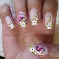 Simple butterfly nail art design short nails by christaneka pictures
