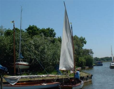 Sailing Boat Hire Southton by Canoeing On The Norfolk Broads Boating Days Out