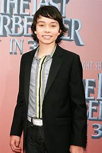 Noah Ringer Picture 2 - Premiere of 'The Last Airbender ...