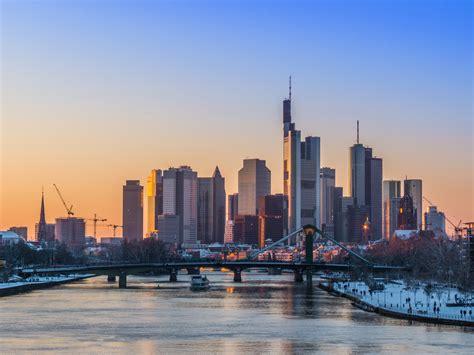 Chasing Rabbits & New York Nostalgia In Frankfurt