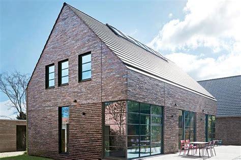 Moderne Häuser Mit Trespa by Satteldachhaus Mit Loft Feeling Sch 214 Ner Wohnen