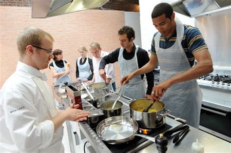 ecole de cuisine cours de cuisine apprenez ou perfectionnez vos recette préférés